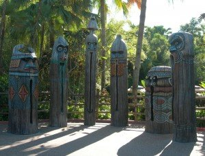 The water-squirting Tikis outside the Enchanted Tiki Room in Adventureland in Walt Disney World's Magic Kingdom in November 2008. (Photo by Susan Hayward)