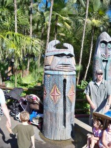 Young Disney World guests are unwittingly indoctrinated into the world of Tiki outside the Enchanted Tiki Room in Adventureland. (Photo by Hurricane Hayward - Oct. 1, 2011)