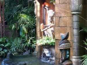 Claude and Clyde's fountain is surrounded by authentic Tikis and foliage (November 2011).