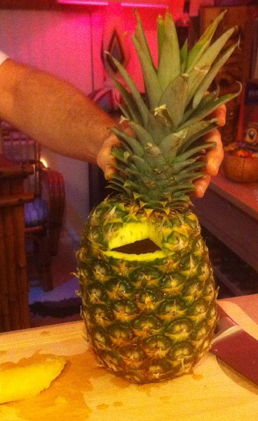 Step 6: Voila, one pineapple drinking vessel