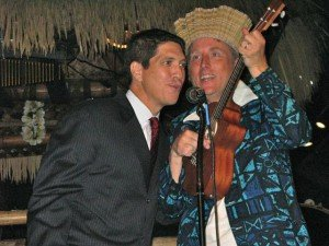The Mai-Kai's Kern Mattei gives King Kukulele a hand with vocals