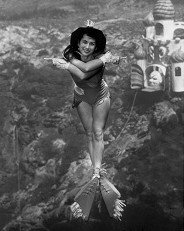 Mermaid Bonnie Georgiadis performs in a &#039;Wizard of Oz&#039; show in 1966. (From WeekiWachee.com)