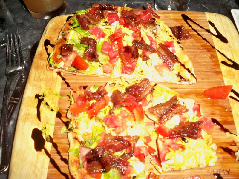 The BLT Flatbread recalled the taste and smell of a classic BLT.