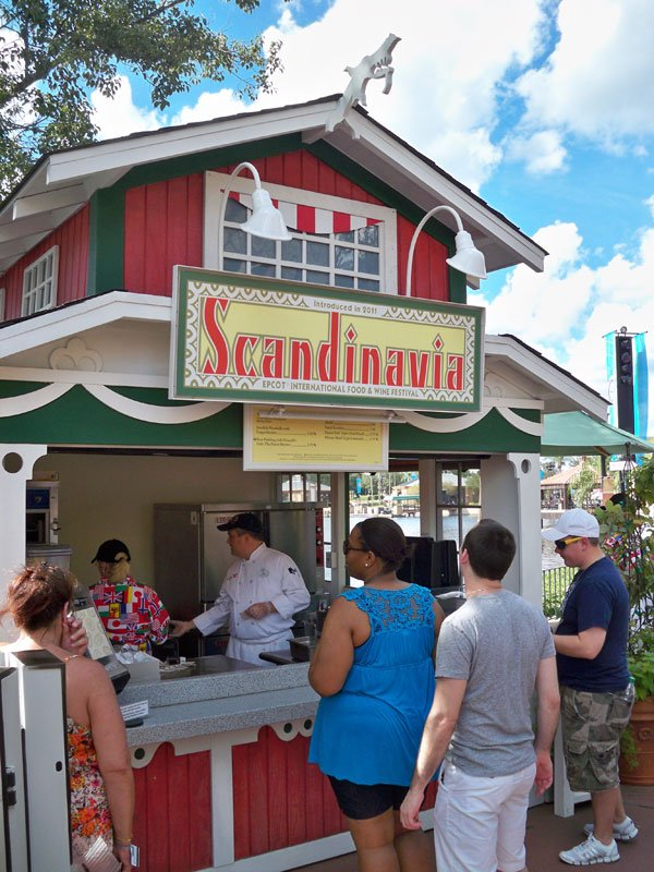 Festivalgoers line up for authentic food and drinks from Scandanavia.