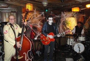 Slip and the Spinouts perform live music for the undead at Hulaween 2014