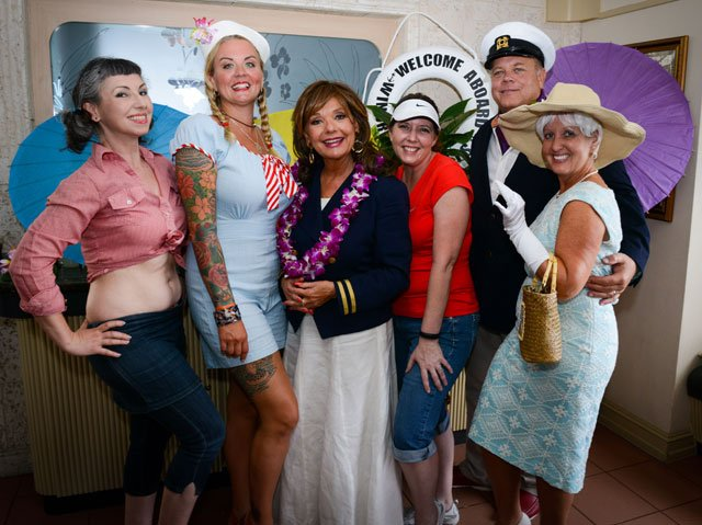 Dawn Wells joins some of the Mary Anns, Professors, Gilligans, Skippers and Mr. and Mrs. Howells for photo ops. (Photo by Go11Events.com)