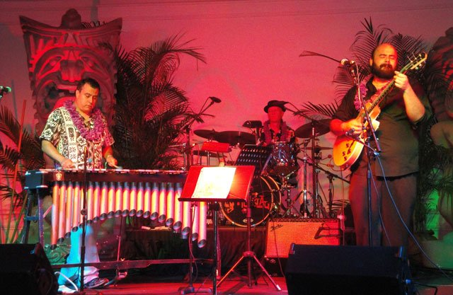 The Alika Lyman Group performs songs from its debut album, Leis of Jazz, Vol. 2 (2014). (Atomic Grog photo)