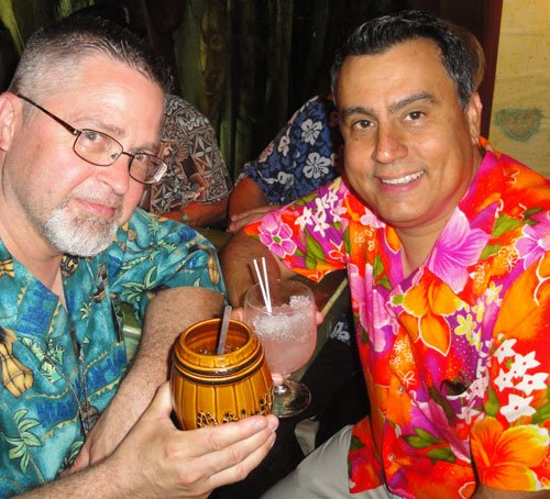 Symposium presenter Jeff Chenault (left) enjoys a cocktail with the Alika Lyman Group's Mark Riddle (aka Digitiki) in The Molokai lounge. (Atomic Grog photo)