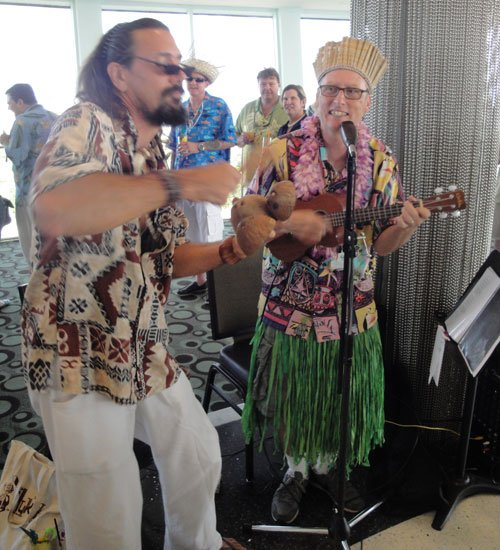 Crazy Al Evans (left) and King Kululele