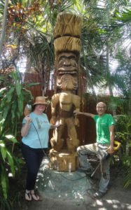 """Christie """"Tiki Kiliki"""" White and Will Anders pose for the first photo with King Kai  in May 2016"""