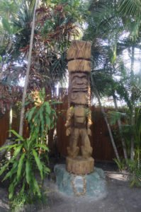 New Tiki installed at The Mai-Kai