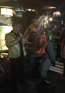Lizard Guy, the fifth-place winner, greets host Elvis (The Mai-Kai's Kern Mattei).