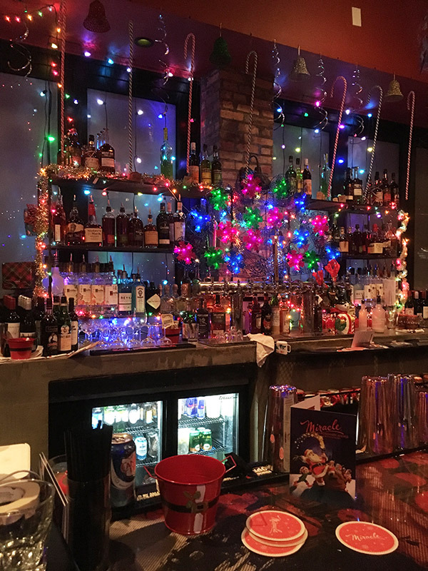 The inside bar at Death or Glory's Miracle on Rosemary pop-up in West Palm Beach, which made its debut in 2018. (Atomic Grog photo, November 2018)