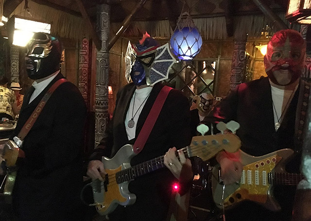 Los Straitjackets perform in the Tahiti Room at The Mai-Kai. (Atomic Grog photo)