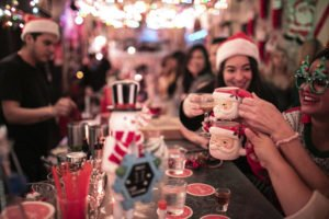 Guests enjoy festive cocktails at Miracle on Ninth Street in New York City. (MiraclePopUp.com)