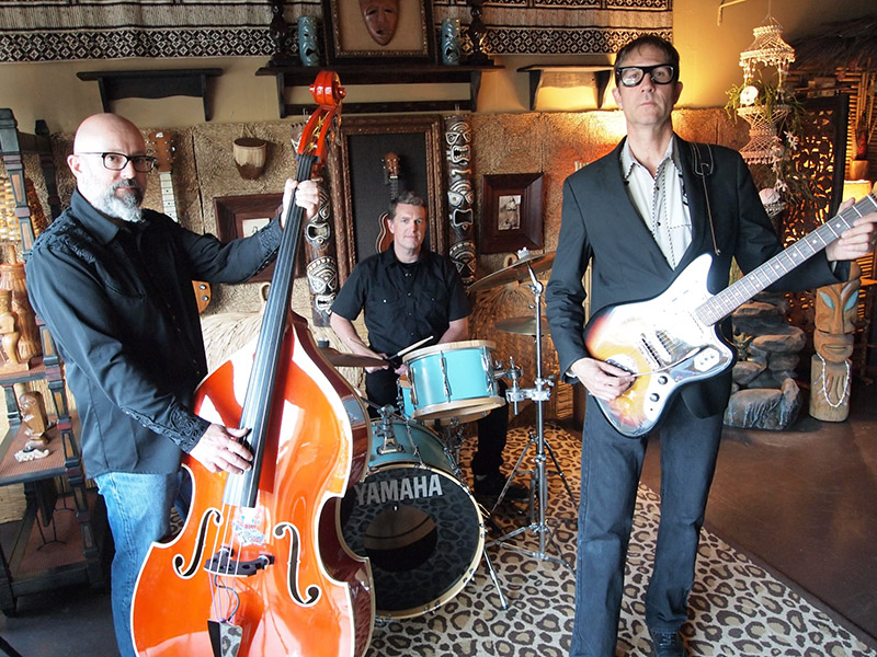 Skinny Jimmy Stingray and his band: Frenchy (bass) and Kevin (drums)