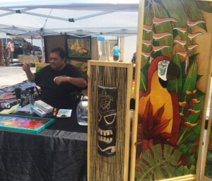 Hawaiian artist Kealoha Pa (Aloha Arts) at The Mai-Kai Tiki Marketplace on July 19. (Photo by Hurricane Hayward)